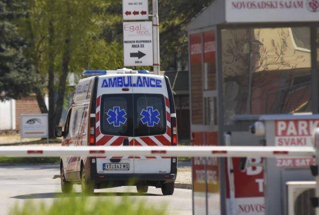 """Detalji nesreće u kojoj su povrijeđene četiri osobe """"Ležao je na ulici prekriven čaršavom"""" (VIDEO)"""