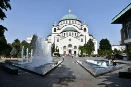 Krunisali ljubav bez obzira na sve: Stranci prešli u pravoslavlje da bi se vjenčali u hramu Svetog Save (FOTO)