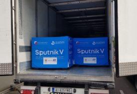Za nastavak revakcinacije U Srpsku stiglo još 25.000 doza Sputnjika V