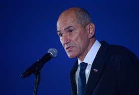Pošiljka stigla na privatnu adresu: Slovenački premijer Janez Janša i ministar odbrane DOBILI PRIJETNJE SMRĆU