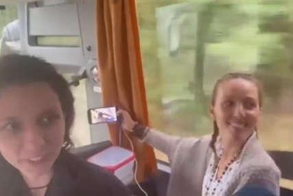 """""""Ko da mi otme iz moje duše Kosovo"""" Jelena Đoković i Vlade Divac u pjevaju u autobusu (VIDEO)"""