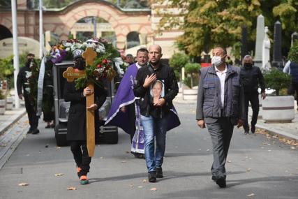 Od tuge za Marinom nije ništa čuo: Futa bijesan na sina zbog skandala na sahrani
