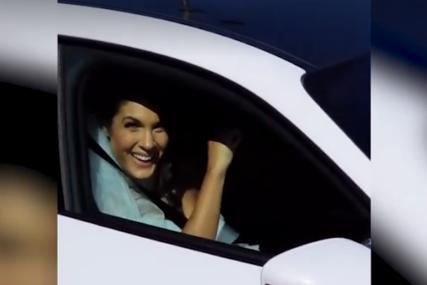 SVATOVI TRUBE Snimci sa vjenčanja Milice Mandić, blista u vjenčanici, pjeva i igra (VIDEO)