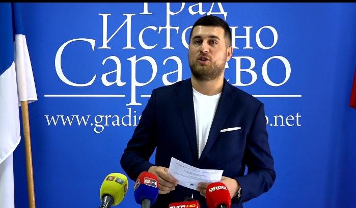 """""""Nasilje nad slabijim polom je nedopustivo"""" Kubatlija pozvao vlast da kazni Ljubišu Ćosića"""