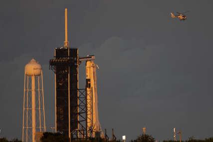 Raketni brod Spejs Eks odletio u svemir sa prvom potpuno CIVILNOM POSADOM ikada