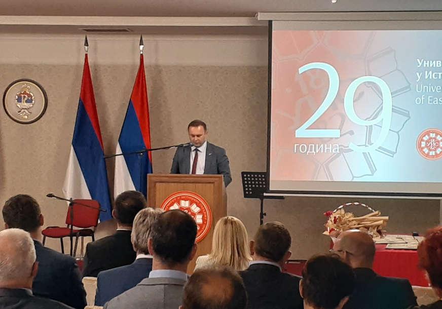 Dodijeljene i povelje za dostignuće: Univerzitet u Istočnom Sarajevu obilježio 29 godina rada (FOTO)