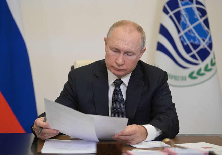 """Putin zadovoljan rezultatima """"U novoj Dumi pet stranka, dokaz demokratskih izbora"""""""