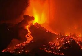 Slivaju se rijeke lave: Vulkan na La Palmi ušao u najintenzivniju fazu