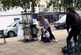 IZVUKAO DEBLJI KRAJ Htio istući klinca na ulici, na teži način saznao da je napao svjetskog prvaka (VIDEO)
