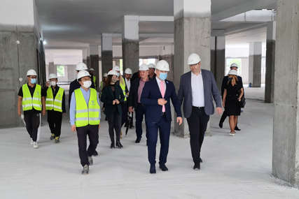 POČINJE DRUGA FAZA RADOVA Šeranić zadovoljan dinamikom izgradnje nove bolnice u Doboju