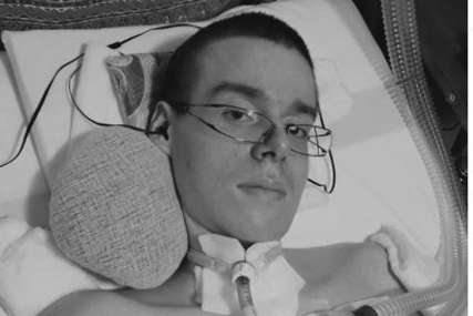 """""""Invalididet ne znači kraj života"""" Alen živi na respiratoru, piše pjesme i blog kako bi svakodnevno motivisao ljude a njegova priča BUDI NADU (FOTO, VIDEO)"""