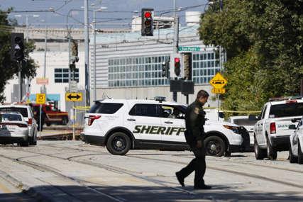 PUCNJAVA U HJUSTONU Rafalna paljba na policajace, jedan poginuo, dva ranjena