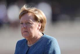 Merkelova jasna: EU treba da rješava razlike međusobnim razgovorom