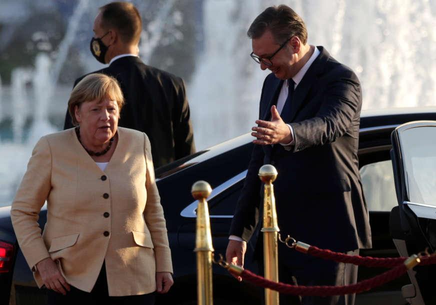 """""""Merkelova preko Vučića OTVARA PUT ŠMITU u BiH"""" Njemačka kancelarka se oprostila od Balkana"""