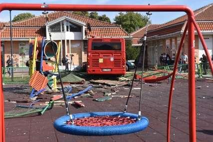 BRANI SE SA SLOBODE Vozač autobusa koji je uletio na dječje igralište pušten iz pritvora