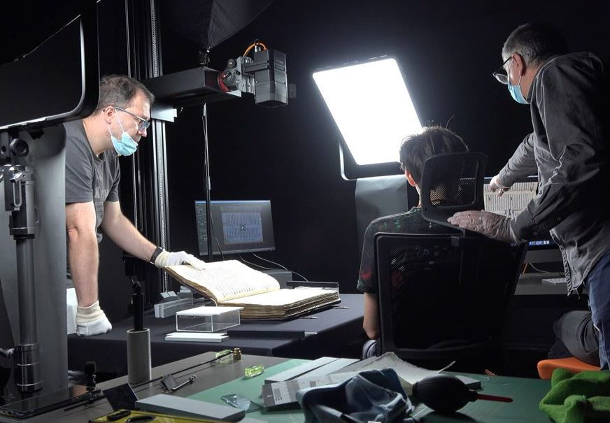 Najznačajniji ćirilični spomenik: Završena prva faza digitalizacije Miroslavljevog jevanđelja (FOTO)