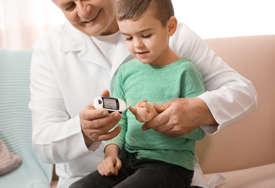 Oboljeloj djeci od dijabetesa trebaju BOLJI USLOVI LIJEČENJA: Bolest je neizlječiva, ali mališanima možemo olakšati život