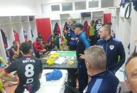 SKANDAL Fudbaleri Borca zarobljeni u svlačionici Veleža, traže način da izađu van