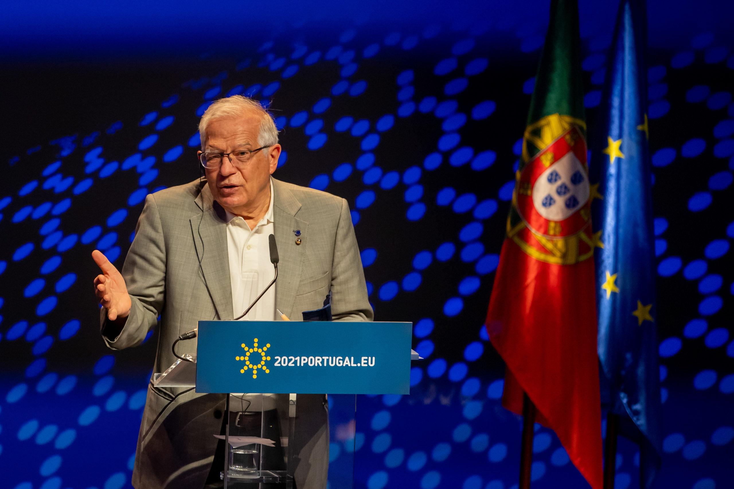 """""""Sva otvorena pitanja riješiti dijalogom"""" Borelj pozvao na prekid nasilnih incidenta na sjeveru Kosova"""