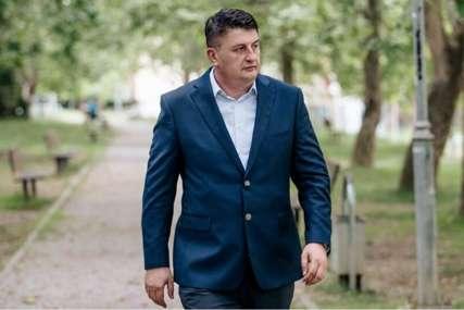 """Radović kaže da priča o mirnom razdruživanju nema podršku """"SNSD lošom politikom pokušava da vrati izgubljeni rejting"""""""