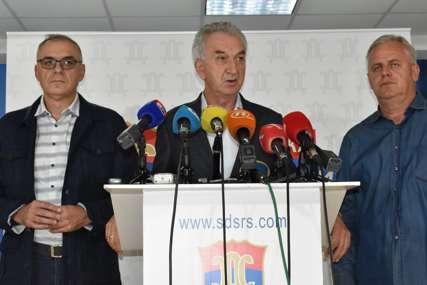 """Šarović nakon sjednice """"SDS se zalaže za izvorni Dejton"""""""