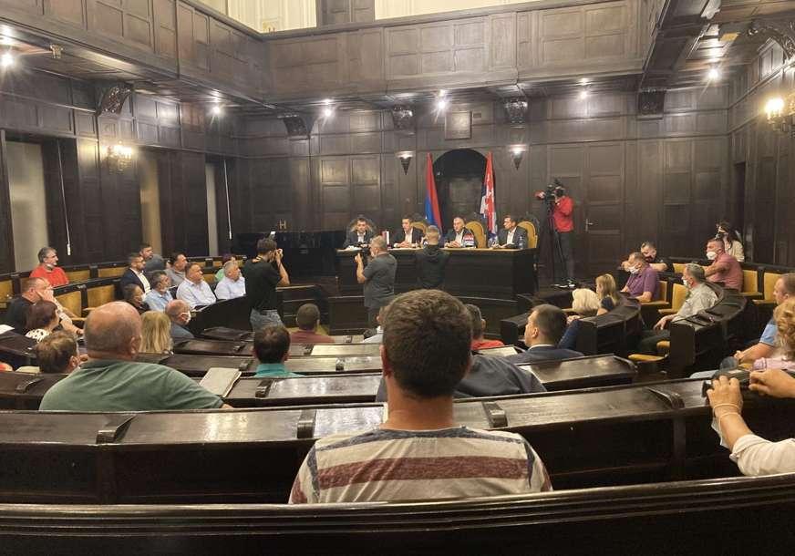Ilić: Savjete mjesnih zajednica treba uključiti u pripreme rebalansa budžeta, prijedloge dostaviti do 1. oktobra