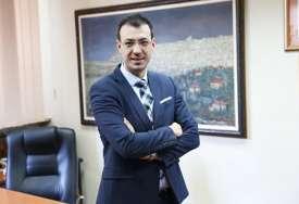 """""""NEPRIJATNO IZNENAĐENI"""" Muškarac u čijem prtljagu je pronađena slika Paje Jovanovića je gradski sekretar"""