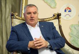 Višković poručio: Dok političari iz Sarajeva zveckaju oružjem, mi uzvraćamo spasavanjem života