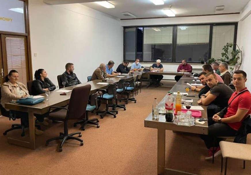 MLADI U PRVIM REDOVIMA Socijalisti u Gradiški izabrali novi gradski odbor i predsjednika