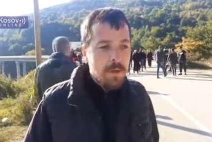 """""""Samo što nisu počeli nogama da nas udaraju"""" Policija na Brnjaku ni svešteniku nije dala da pješke ode na opijelo, vikali i prijetili puškama (VIDEO)"""