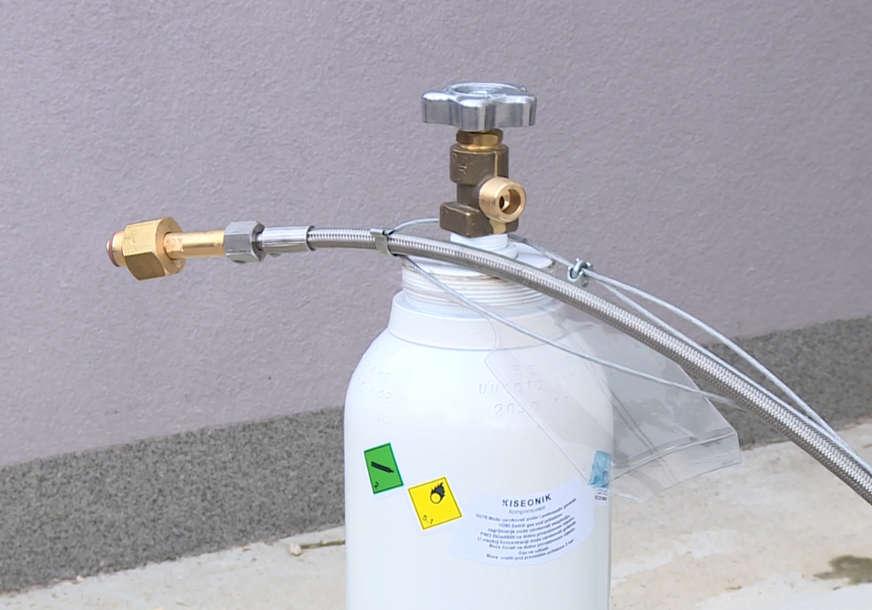 Uzet uzorak kiseonika iz UKC Srpske: Rezultati stižu najkasnije za dva dana (VIDEO, FOTO)