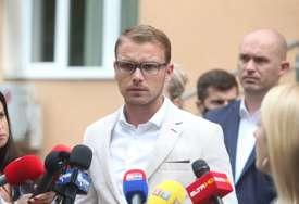 """Stanivukovića dočekala zaključana vrata: Namjeravao da podnese dodatnu dokumentaciju u slučaju """"Kiseonik"""", ali ga spriječio kraj radnog vremena (FOTO)"""