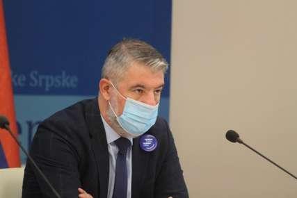 """""""Igranje emocijama u političke svrhe"""" Šeranić poručio da će javno objaviti mejlove porodica koje imaju nekoga na liječenju"""