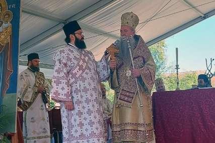 """Mitropolit Joanikije u Jasenovcu """"Biće sagrađeno gumno identično onom ispred Cetinjskog manastira"""""""
