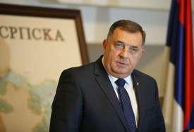"""Dodik pred sastanak sa Vučićem """"Bolje da odem časno i dostojanstveno nego da budem poltron i lomljiv"""" (VIDEO)"""