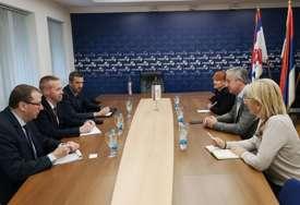 """""""Očekujem da će Dodik nastaviti sa politikom kockanja"""" Borenović razgovarao sa vojnim atašeom Belgije"""