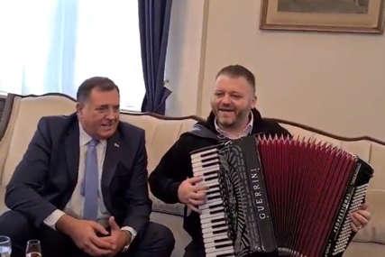"""""""PROBOSANSKE PRIPEJD PARTIJE"""" Dodik poručio da je harmonika izvela na čistac opoziciju i otkrila njihovo pravo lice"""