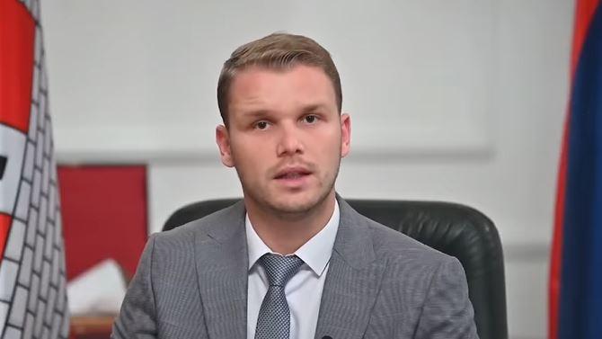 """""""Zabrinut sam za funkcionisanje Grada"""" Stanivuković sa saradnicima MORA U IZOLACIJU, za sve krivi Topića (VIDEO)"""