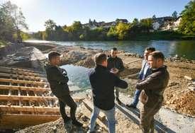 Stanivuković obišao gradilišta: Napreduju radovi u sportskoj dvorani na Laušu, dajak pristanište dobija konačan izgled (FOTO)