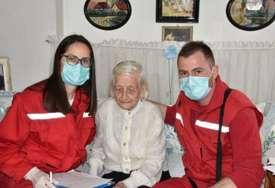 """""""Godine su teret, ali danas sam veoma srećna"""" Baka Ilona proslavila 107. rođendan i otkrila tajnu dugovječnosti (FOTO)"""