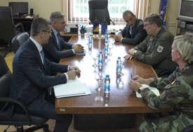 """Placer nakon sastanka sa Okolićem """"Odgađanje vježbe sa Vojskom Srbije je odluka u koju se Eufor neće miješati"""""""