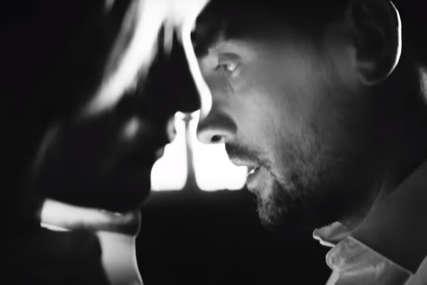 """MORA DA JE LJUBAV"" Muzički hod Mirze i Ilme po tankoj liniji emocija (VIDEO)"