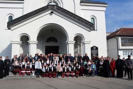 """Oktobarske svečanosti slobode: U Brodu održano """"Pokrovsko pjesničko saborovanje"""" i promocija zbornika"""