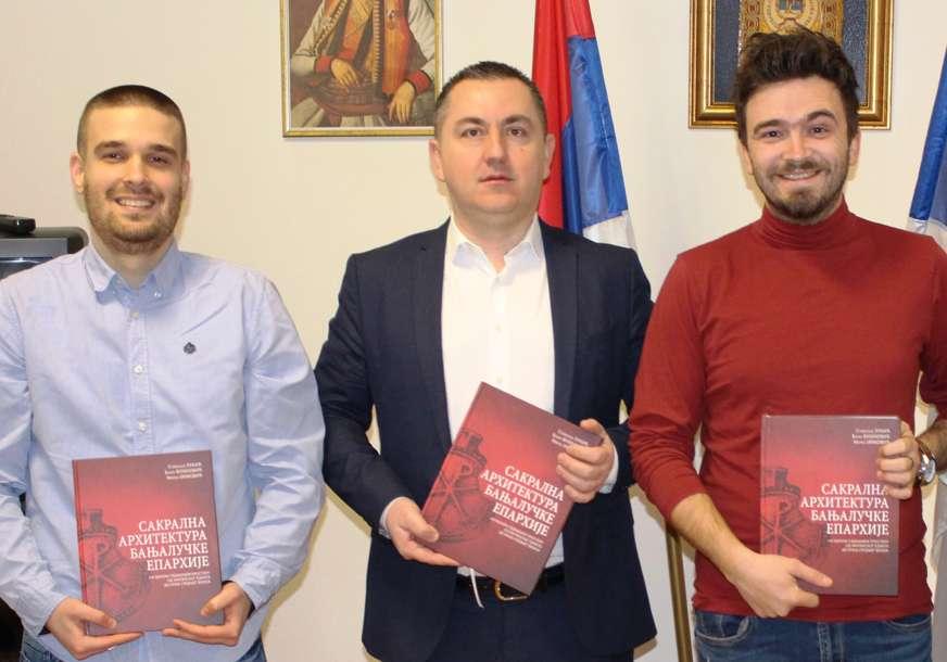 Knjiga za bolje razumijevanje istorije pravoslavlja: Monografija o sakralnoj arhitekturi Banjalučke eparhije predstavljena u Prnjavoru