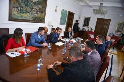 """""""Radićemo dok ne završimo ovu važnu sjednicu"""" Stanivuković i skupštinska većina održali sastanak"""