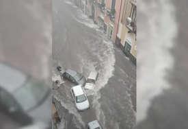 OLUJA NA SICILIJI U poplavama poginule najmanje dvije osobe (VIDEO)
