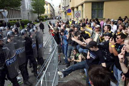 NEREDI U SLOVENIJI Na nasilnim protestima povrijeđeno šest policajaca, uhapšene 22 osobe