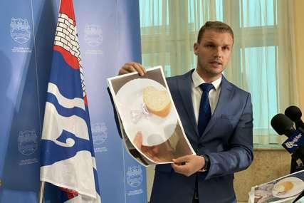 """""""Čekam da Đajić kaže da ovo nije istina"""" Stanivuković tvrdi da ovako izgledaju obroci porodilja u UKC (FOTO)"""