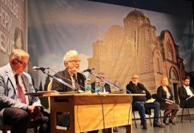 Počele Dučićeve večeri poezije: Zbog epidemiološke situacije manifestacija podijeljena u tri cjeline