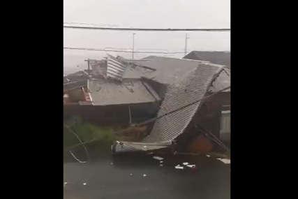 TAJFUN POGODIO JAPAN Povrijeđene četiri osobe, otkazano više od 100 letova (VIDEO)